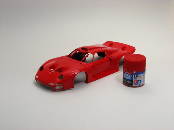 Porsche 911 GT1 from Tamiya with Italian red