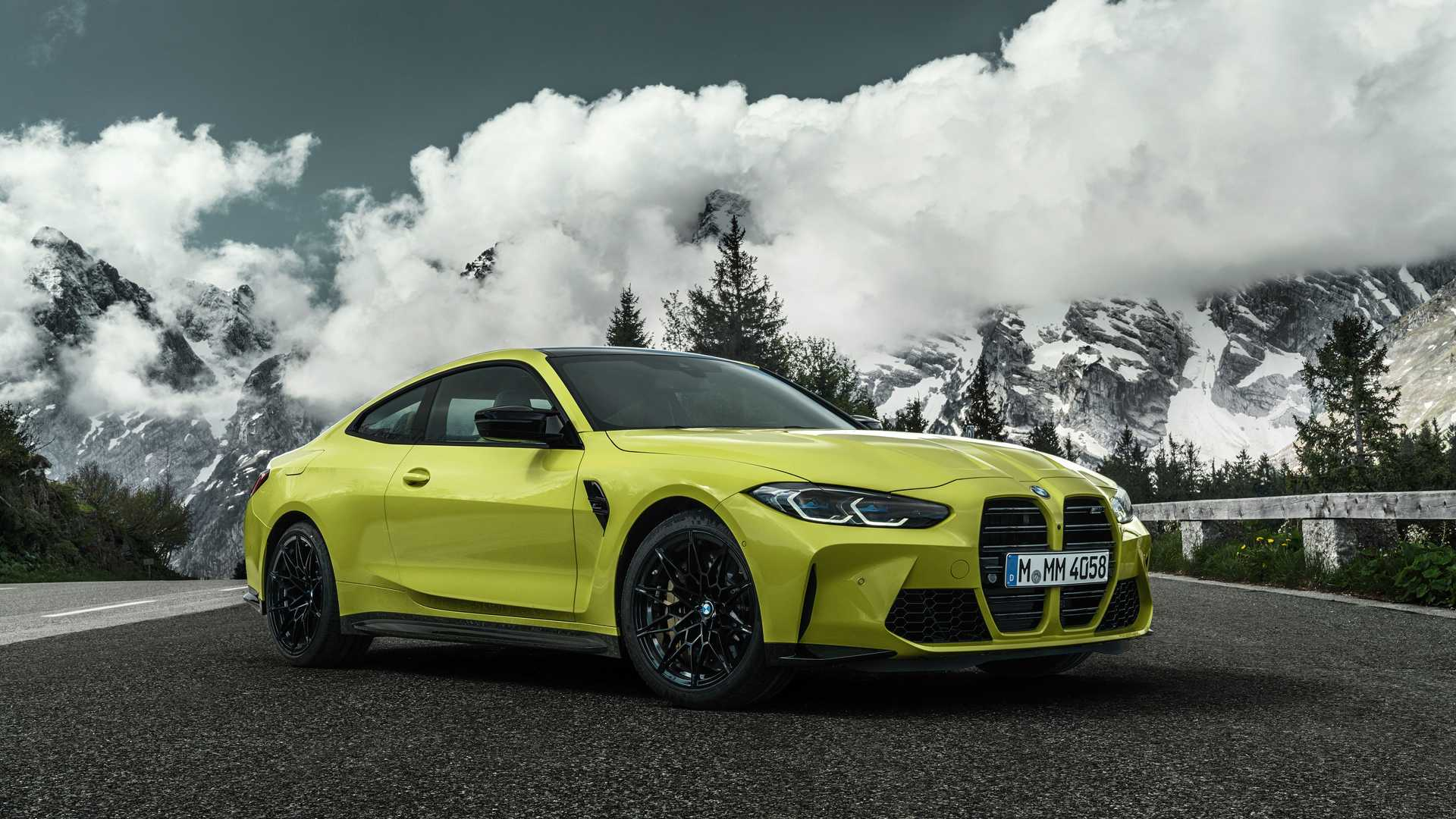 6th-Gen BMW M3 and M4 Introduced with Exaggerated Grille-3
